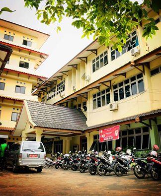 Halaman Parkir Fakultas Syariah UIN Raden Fatah Palembang