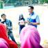 praktik broadcasting oleh Pak Wijaya di Lapangan Bola UIN Raden Fatah Palembang.