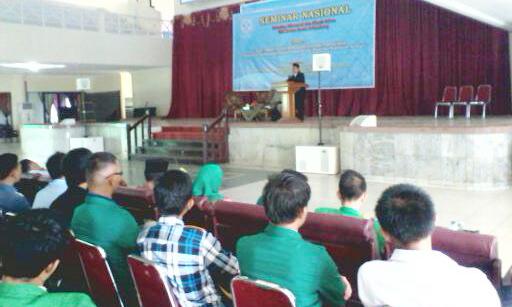 Suasana Seminar Nasional FEBI UIN Raden Fatah di akademik center (6/5/2015).