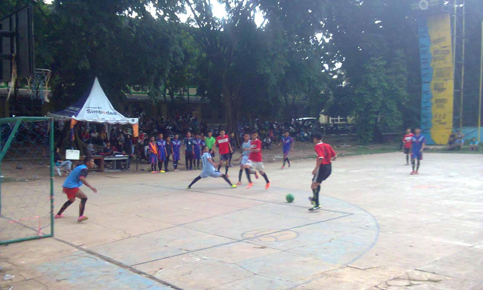 Foto : Wilfi Hari kedua pertandingan futsal oleh UKMK Penelitian dan Pengembangan UIN Raden Fatah Palembang dalam rangka perayaan milad ke-10. Sabtu (19/3/2016)