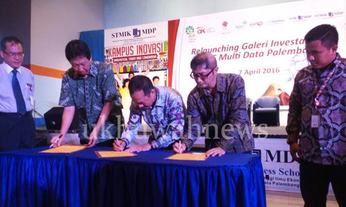 Penadatangan MoU dilakukan oleh Hosea Nicky Hogan, Gan (Direktur Pengembangan PT Bursa Efek Indonesia), Johannes Petrus (Ketua STIE MDP), Ahmad Fadjar (Direktur PT UOB Kay Hian Securities). Ukhuwahnews.com/Amanda