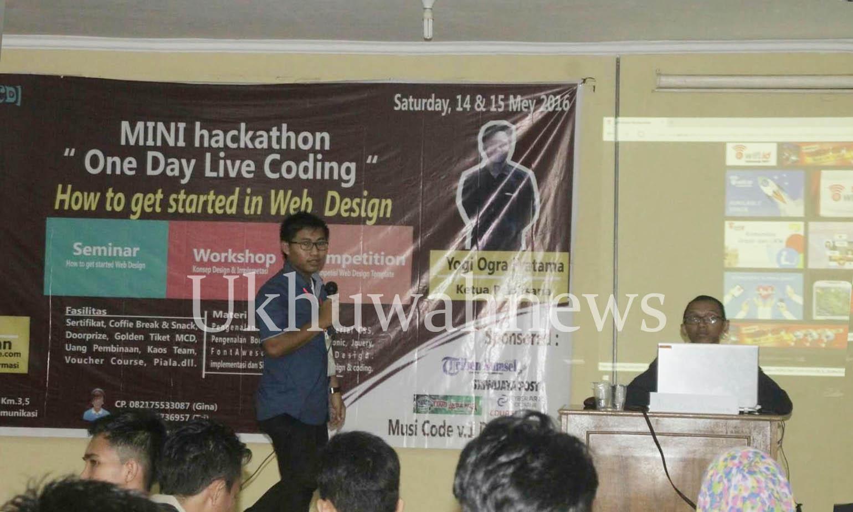 Kegiatan One Day Live Coding yang diadakan oleh Musi Coding Developer, bekerjasama dengan pihak Jurusan Sistem Informasi UIN Raden Fatah Palembang. Berlangsung dua hari (14-15 Mei 2016). Ukhuwahnews/Raenal Fikri