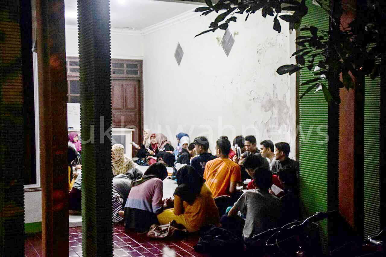 Mahasiswa PKG UIN RF sedang mengikuti Home Stay English in Pare and Bali. Pare, Kediri (8/8/2016). Foto .Nopri/ukhuwahnews