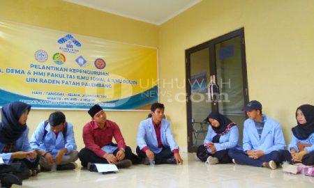 Ketua Dema-FISIP memimpin rapat, untuk rencanakan kunjungi 20 Sekolah di Palembang, kamis (23/02/17). ukhuwahnews/ Octi