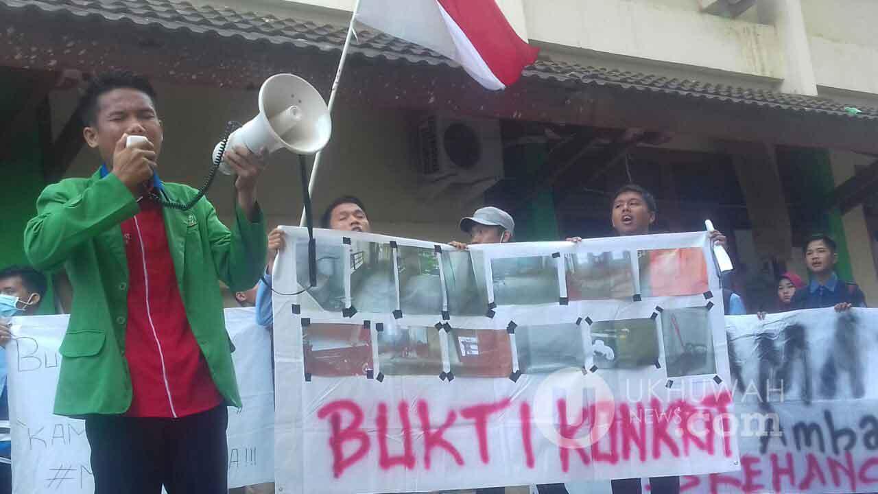 Aktivis Gema Fatwa Tuntut Fasilitas Umum Fakultas Dakwah