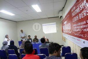 Pemimpin Redaksi Tribun Sumsel Wenni memberikan sambutan kepada para peserta workshop dan coaching clinic bersama Tempo.