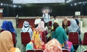 Kepala Teknologi, Infromasi dan Pangkalan Data (Ka.PUSTIPD) Fakhrudin, M.Kom. saat menghadiri acara Sosialisasi kepada Pengawas I dan Pengawas II Ujian Masuk Perguruan Tinggi Keagamaan Islam Negeri (UM-PTKIN) di gedung Academic Centre UIN RF Palembang, Jum'at (18/5/2018). Humas