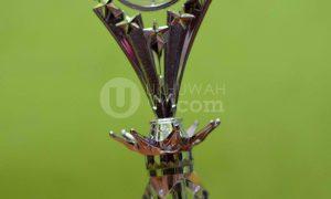 Tropi AJI Palembang Award yang diraih oleh LPM Ukhuwah UIN Raden Fatah Palembang, (9/5/2018). Ukhuwahfoto/Nopri Ismi