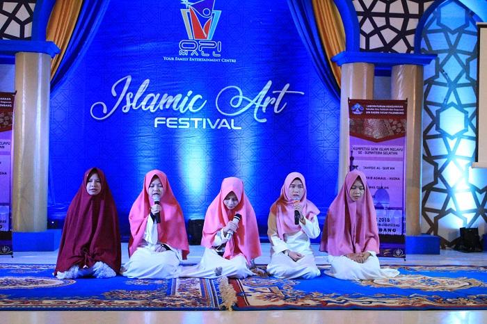 Suasana Kompetisi Kompetisi Seni Islam Melayu Se-Sumatera Bagian Selatan (SUMBAGSEL) di Opi Mall Jakabaring Palembang (30/5/2018). Foto/Humas FITK