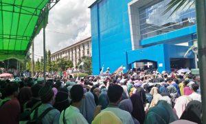 Ribuan peserta Tabligh Akbar padati gedung Academic Centre (AC) UIN RF Palembang, (23/11/2018). Ukhuwah Foto