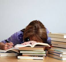 Belada Tiada Akhir Mahasiswa Semester Akhir