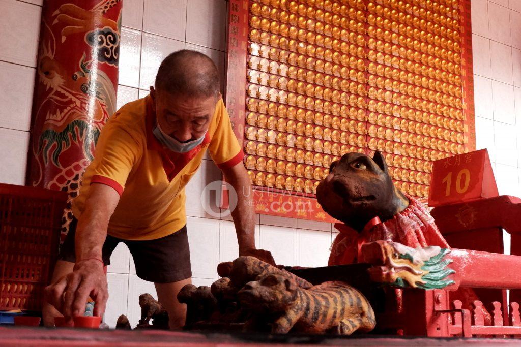 Foto : Menuju Imlek 2572 di Kelenteng Dewi Kwan Im ...