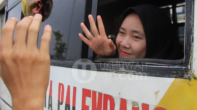 Foto : Pemberangkatan Mahasiswa/i KKN UIN Raden Fatah ke-74